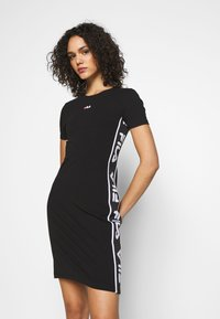 Fila - TANIEL TEE DRESS - Žerzejové šaty - black - 0