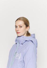 Burton - AK GORE UPSHFT - Snowboardjacke - foxglove violet - 3