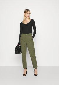 Minimum - AGNESA  - Pantalones - fir green - 1