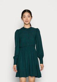 Vero Moda - VMUMA SHORT DRESS - Vestito estivo - ponderosa pine - 0