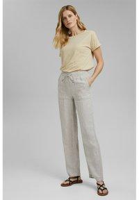 Esprit - PER COO CLOUDY - Basic T-shirt - sand - 5