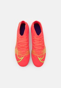 Nike Performance - MERCURIAL 8 CLUB MG - Voetbalschoenen met kunststof noppen - bright crimson/metallic silver - 3
