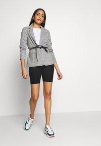 ONLY - ONLCAROLINA CHECK - Blazer - light grey melange/black - 1