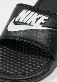 Nike Sportswear - BENASSI JDI - Badesandaler - black/white - 5