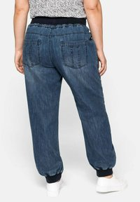 Sheego - Jeans Tapered Fit - blue denim - 2