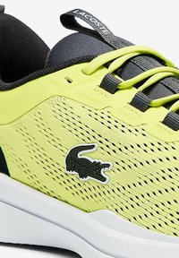 Lacoste - Baskets basses - yellow - 4