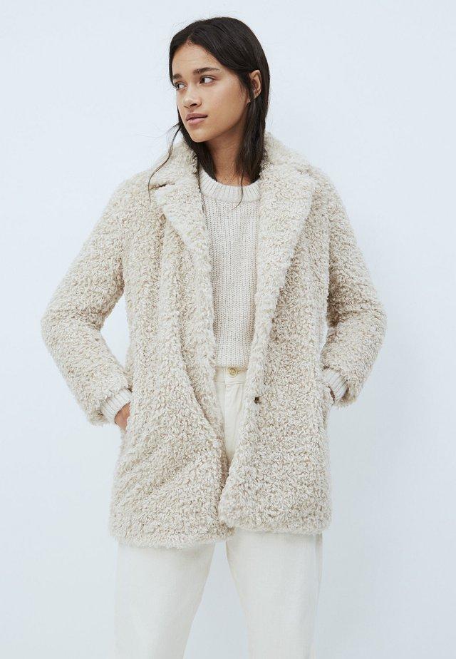 GRETTA - Abrigo de invierno - mousse