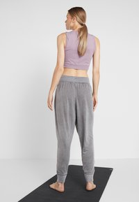 Free People - FP MOVEMENT MEADOWBROOK HAREM - Tracksuit bottoms - pine - 2