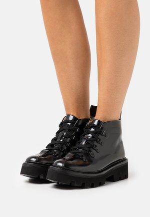 BRIDGET - Kotníková obuv - black hi shine