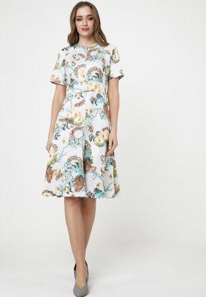 Day dress - milchig, hellbraun