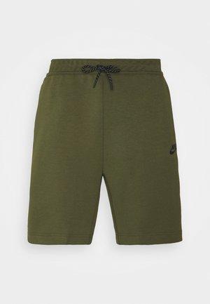 Szorty - rough green