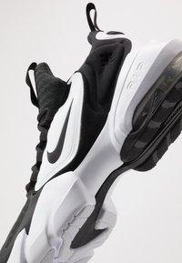 Nike Performance - AIR MAX ALPHA SAVAGE - Zapatillas de entrenamiento - black/white - 5