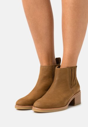 COLOGNE TOP - Ankle boots - light tan