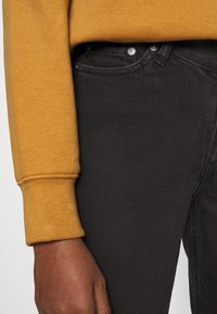 Weekday - TWIN TROUSERS - Straight leg jeans - almost black - 3