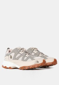 The North Face - W ARCHIVE TRAIL FIRE ROAD - Løbesko trail - pink tint/mineral grey - 3