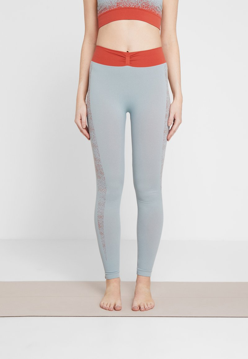 Yogasearcher - RUDRA LEGGING - Collants - opale