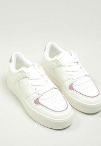 Pimkie - Sneakersy niskie - altweiß - 2