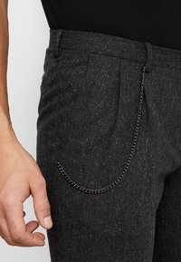 Shelby & Sons - SIDCUP TROUSER - Pantaloni - charcoal - 4