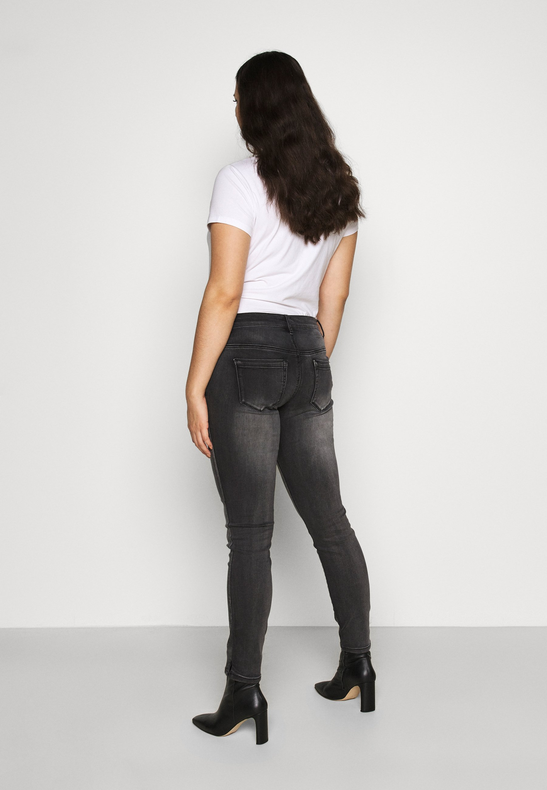 Zizzi LONG SANNA - Jeans Skinny Fit - dark grey denim - Women's Clothing kd2C4