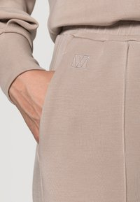 InWear - DALTON WIDE PANTS - Tracksuit bottoms - simply taupe - 4