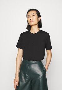 ARKET - T-shirt - bas - black dark - 0