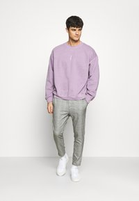 Only & Sons - ONSLINUS CROPPED CHECK PANT  - Kalhoty - medium grey melange - 1