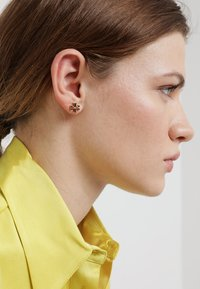 Tory Burch - LOGO EARRING - Orecchini - gold-coloured - 1