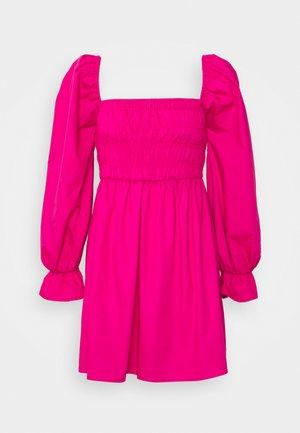 MILKMAID SHIRRED BODICE SKATER DRESS - Sukienka letnia - hot pink