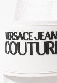 Versace Jeans Couture - Rantasandaalit - bianco ottico - 2