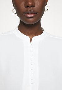 Selected Femme - SLFDYLANA - Button-down blouse - snow white - 5