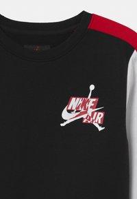 Jordan - JUMPMAN CLASSICS CREW - Sweatshirt - black - 2