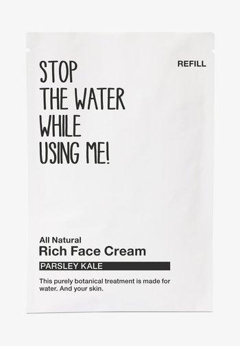 ALL NATURAL PARSLEY KALE RICH FACE CREAM, REFILL SACHET - Face cream - black/white