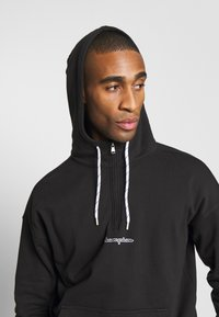 Champion - ROCHESTER HALF ZIP HOODED - Bluza z kapturem - black - 3