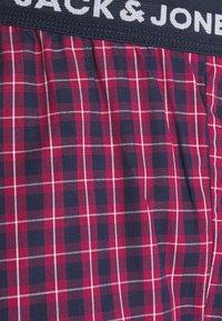 Jack & Jones - JACRED CHECK PANT - Pyžamový spodní díl - red bud - 2