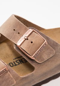 Birkenstock - ARIZONA  NARROW FIT - Mules - tabacco brown - 5
