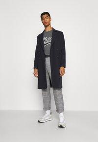 BOSS - BOSS X RUSSELL ATHLETIC - T-Shirt print - medium grey - 1