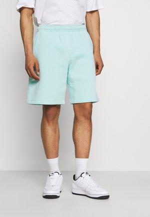 CLUB - Shorts - light dew