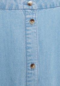 Vero Moda - VMVIVIANA CALF SKIRT - Denim skirt - light blue denim - 2