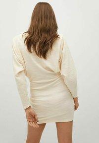 Mango - OPRA - Pouzdrové šaty - ecru - 2