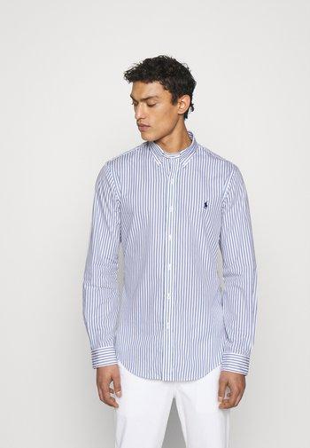 SLIM FIT STRIPED POPLIN SHIRT - Shirt - white/sky blue