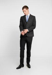 Burton Menswear London - DOGTOOTH BLAZER - Jakkesæt blazere - charcoal - 1