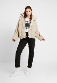 BDG Urban Outfitters - BORG UTILITY JACKET - Vinterjacka - ivory - 1