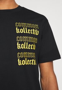 Common Kollectiv - GOTHIC TEE UNISEX - Print T-shirt - black - 4