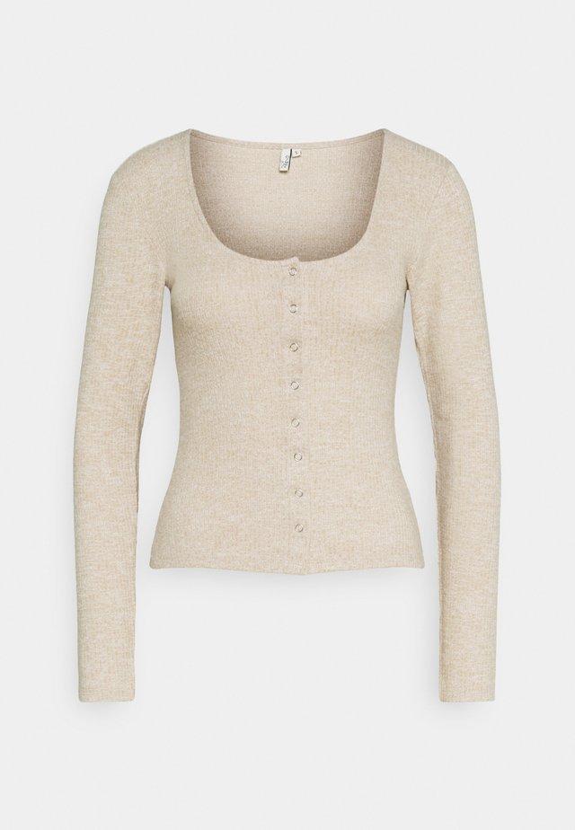 FRONT BUTTON COZY TOP - Langærmede T-shirts - beige