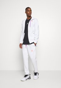 Jordan - AIR FULL ZIP - Sweatjacke - white/vivid purple/infrared - 1