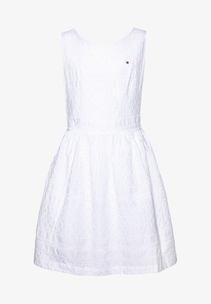 Tommy Hilfiger - BRODERIE ANGLAISE DRESS  - Vestido de cóctel - white