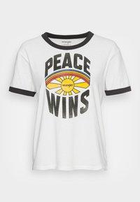 RELAXED RINGER - Print T-shirt - white