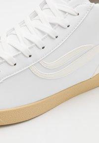 Genesis - HELÀ MID VEGAN UNISEX - High-top trainers - white/offwhite - 5