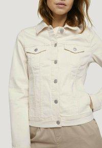 TOM TAILOR DENIM - RIDERS  - Denim jacket - light beige - 3