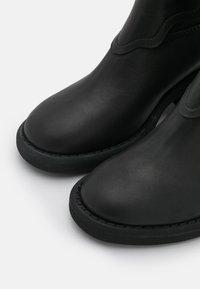 MM6 Maison Margiela - STIVALE - Cowboy/Biker boots - black - 4